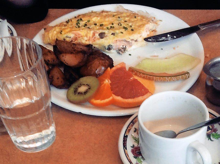 l'omelette norvégienne au café les entretiens