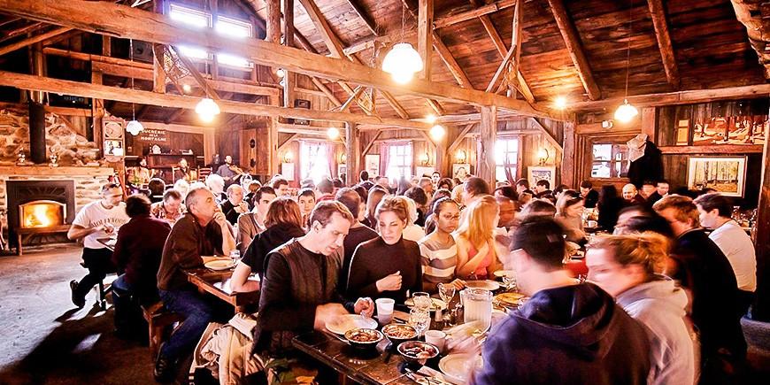 cabane-a-sucre-repas-sucrerie-de-la-montagne-montreal-citycrunch