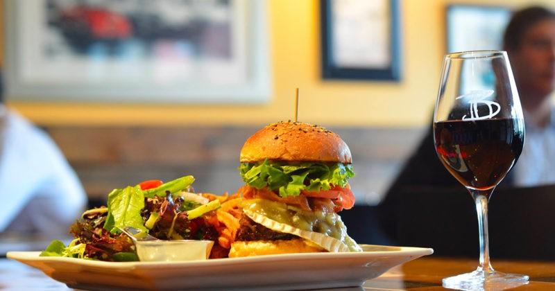 restaurant-la-boulette-burger-montreal-citycrunch