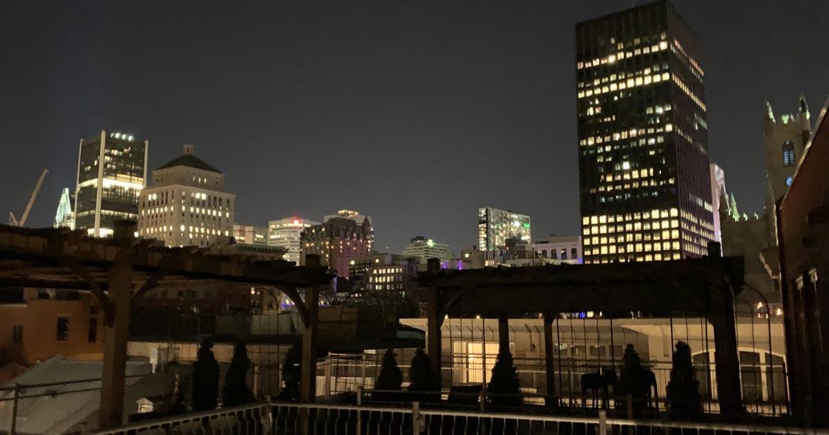 vue-skyline-rooftop-hotel-nelligan-montreal-citycrunch
